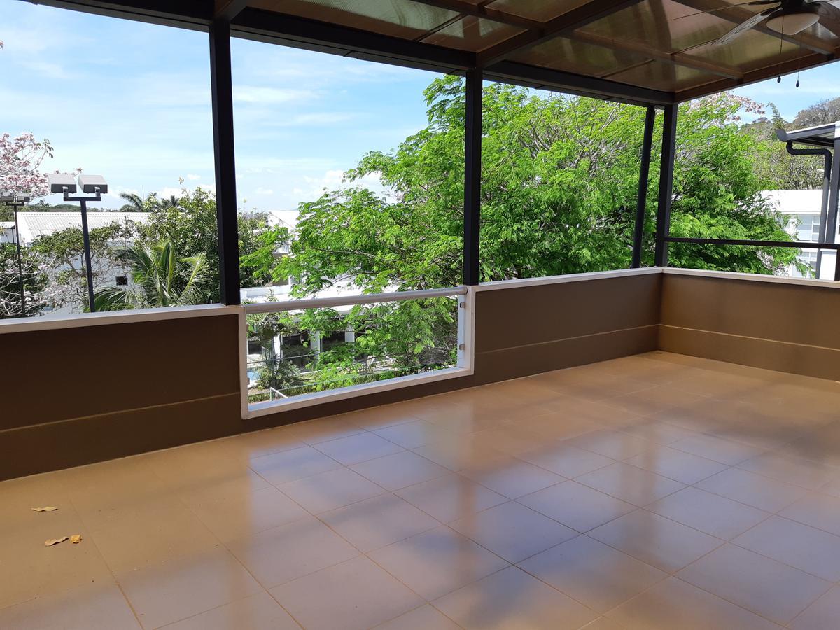 Foto Casa en condominio en Venta en  Santana,  Santa Ana  Santa Ana/ 4 habitaciones/ Electrodomésticos/ Tenis