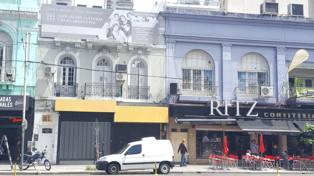 Foto Local en Alquiler en  Belgrano ,  Capital Federal  Excelente local de 280m2 sobre Av. Lacroze 2400 a mts. de Av, Cabildo!!! NO PAGA EXPENSAS!!!! Contiguo a RITZ confiteria
