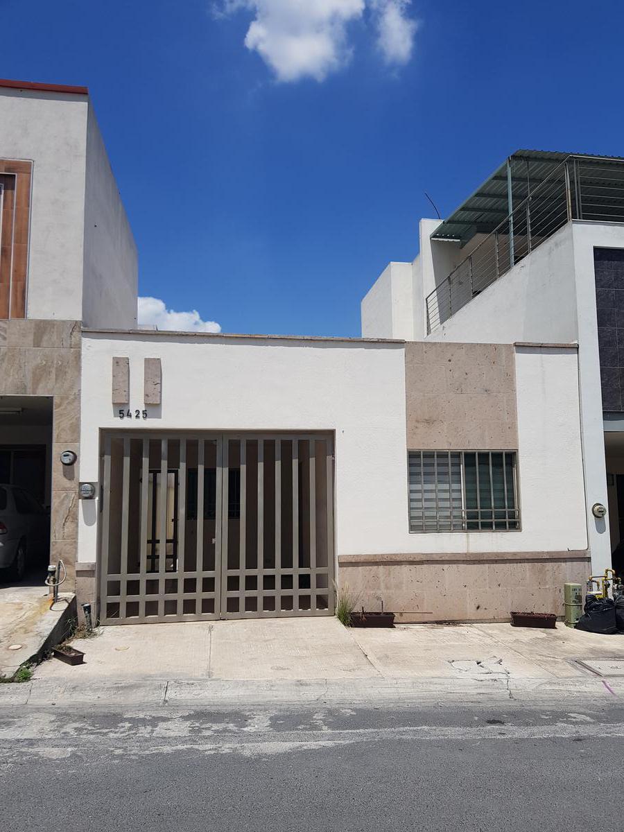 Foto Casa en Renta en  Cumbres Santa Clara,  Monterrey  Cumbres Santa Clara 3er Sector