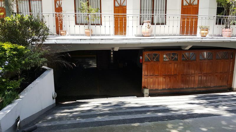 Foto PH en Venta en  Adrogue,  Almirante Brown  Bynnon  1860, entre erezcano y Plaza Bynnon