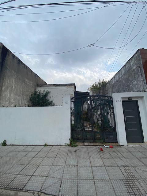 Foto PH en Venta en  Liniers ,  Capital Federal  Pilar al 600