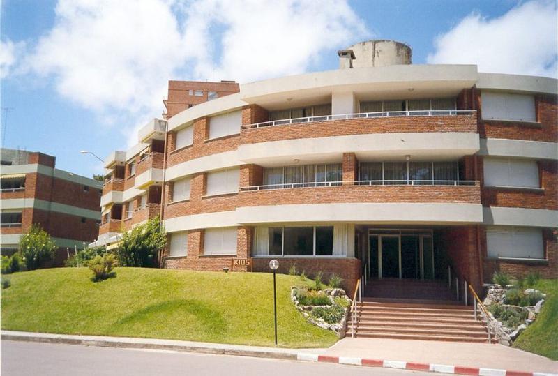 Foto Apartamento en Venta | Alquiler temporario en  Playa Mansa,  Punta del Este  Arcobaleno! VENTA Y ALQUILER TEMPORAL!!!