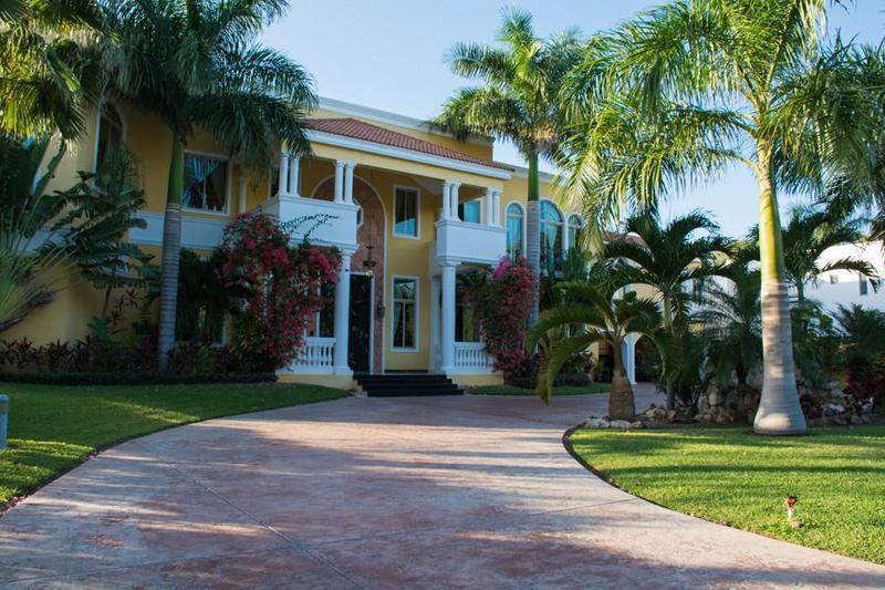 Foto Casa en Venta en  Club de Golf La Ceiba,  Mérida  MARAVILLOSA RESIDENCIA EN EXLUSIVO CLUB DE GOLF