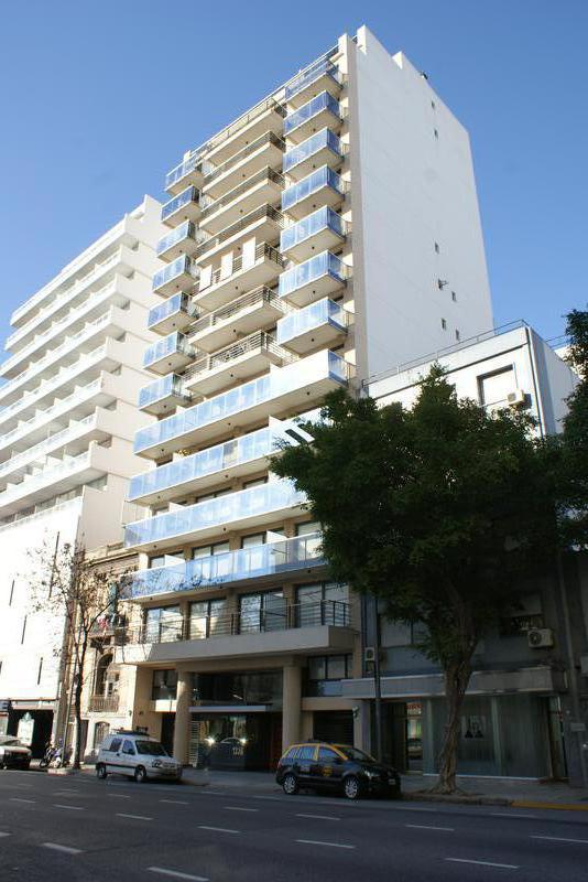 Foto Departamento en Alquiler en  Monserrat,  Centro  Av. Independencia al 1300