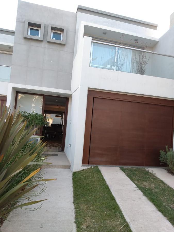 Foto Casa en Venta en  Claros del Bosque,  Countries/B.Cerrado (Cordoba)  Claros Village * Mejor Dúplex 3 dormitorios * Premium