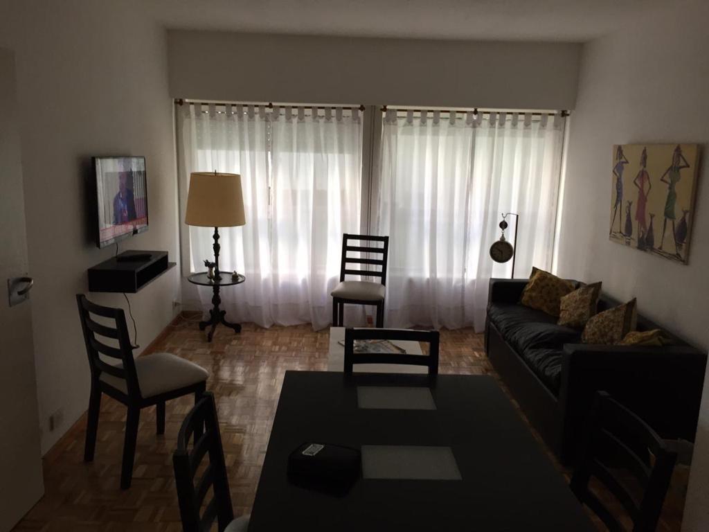 Foto Departamento en Alquiler temporario |  en  Recoleta ,  Capital Federal  ARENALES 1100