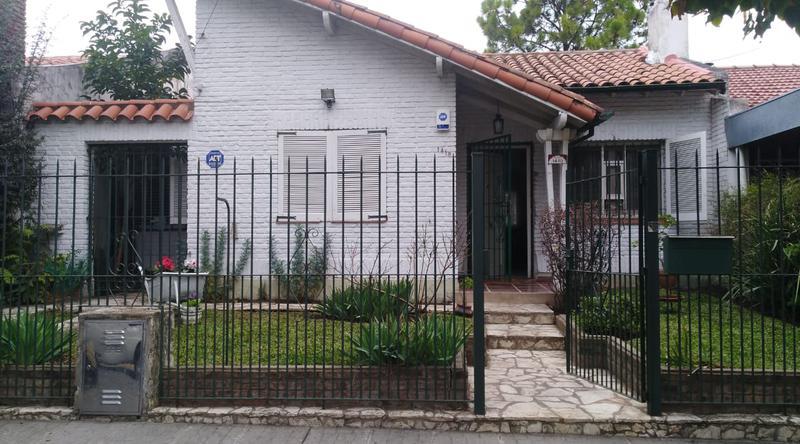 Foto Casa en Venta en  Martinez,  San Isidro  Cuyo al 1400