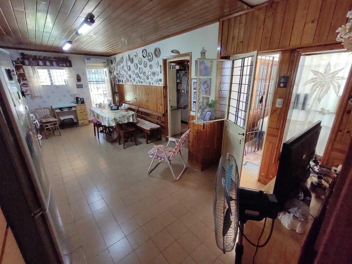 Foto Casa en Venta en  Esc.-Centro,  Belen De Escobar  Italia 629