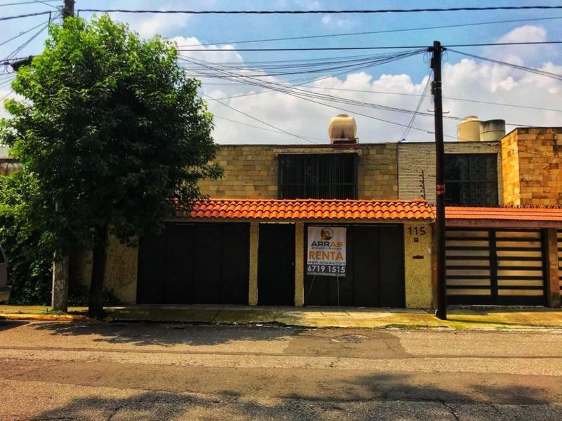 Foto Casa en Renta en  Naucalpan de Juárez ,  Edo. de México  Boulevard de la Santa Cruz al 100