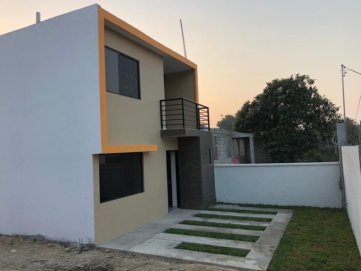 Foto Casa en Venta en  Los Pinos,  Tuxpan  CASAS    NUEVAS    EN   VENTA