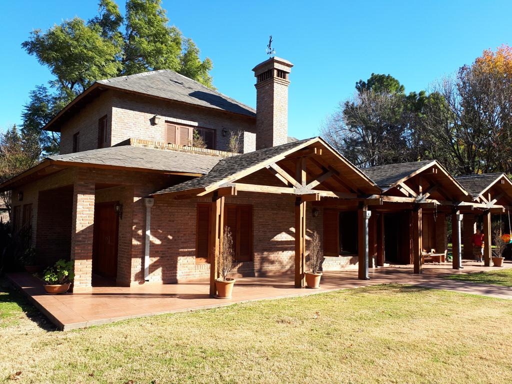 Foto Casa en Venta en  Funes ,  Santa Fe  Becquer y Santa Fe