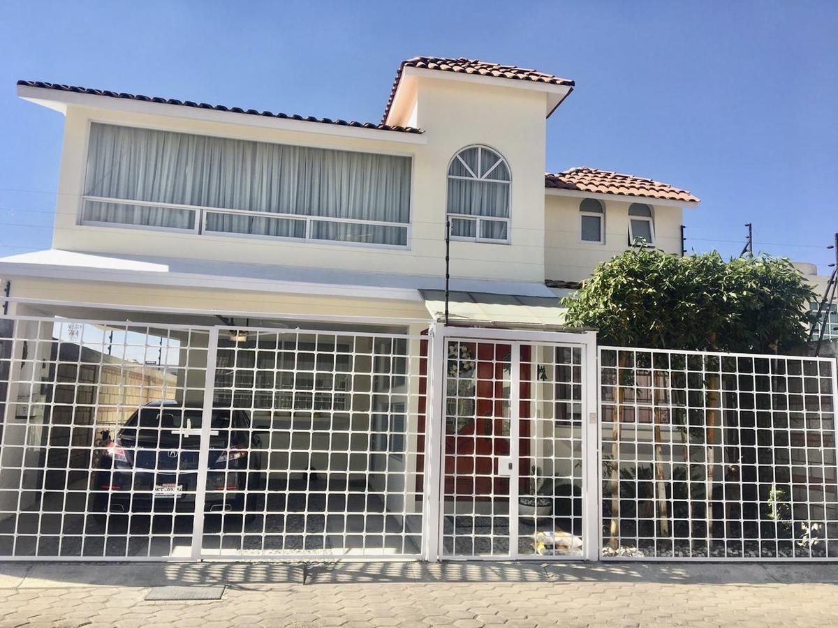 Foto Casa en condominio en Venta en  Metepec ,  Edo. de México  Casa en VENTA Col. Bellavista, Metepec, Estado de México