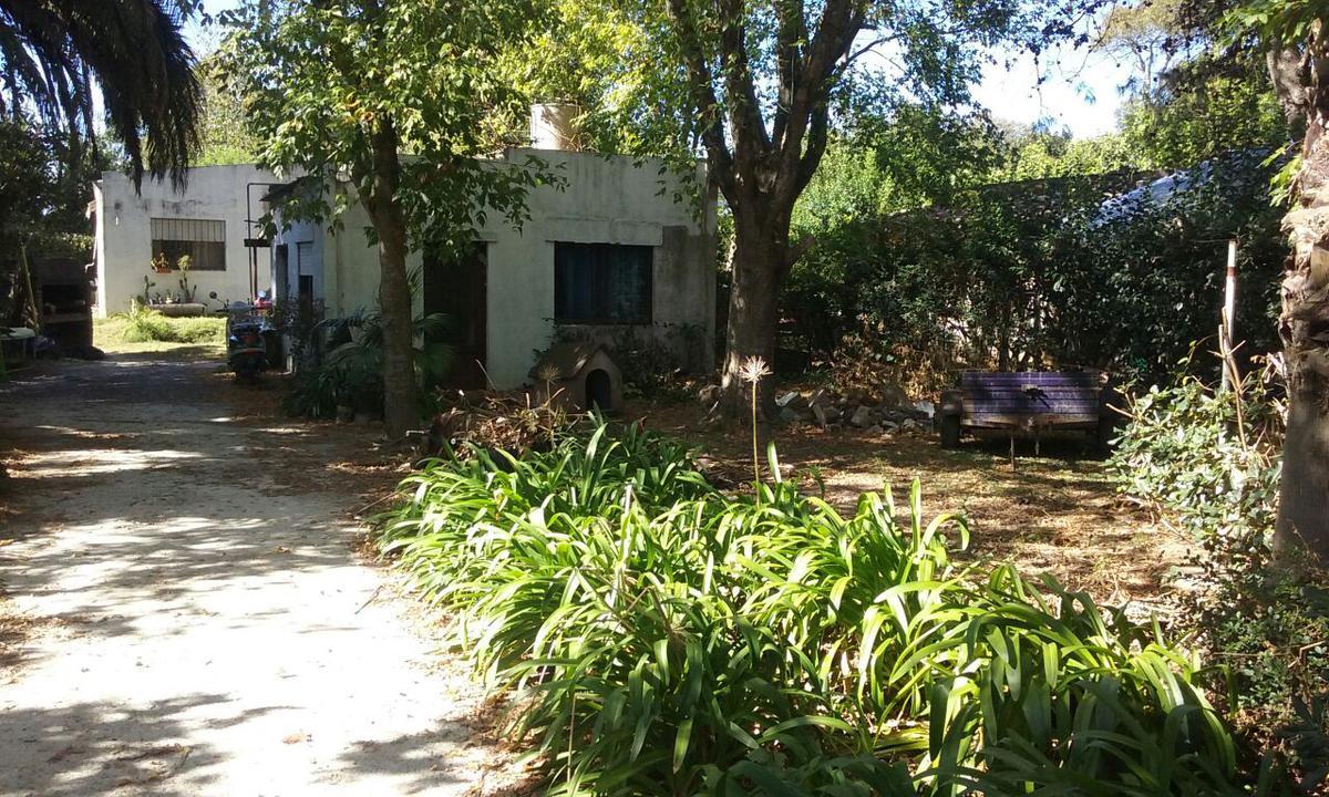 Foto Casa en Venta en  Villa Elvira,  La Plata  607 e/ 5 bis y 6