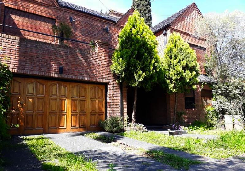 Foto Casa en Venta en ING. QUARTINO entre OTERO y HERRERA, MAESTRA, Argentina | G.B.A. Zona Oeste | Ituzaingó