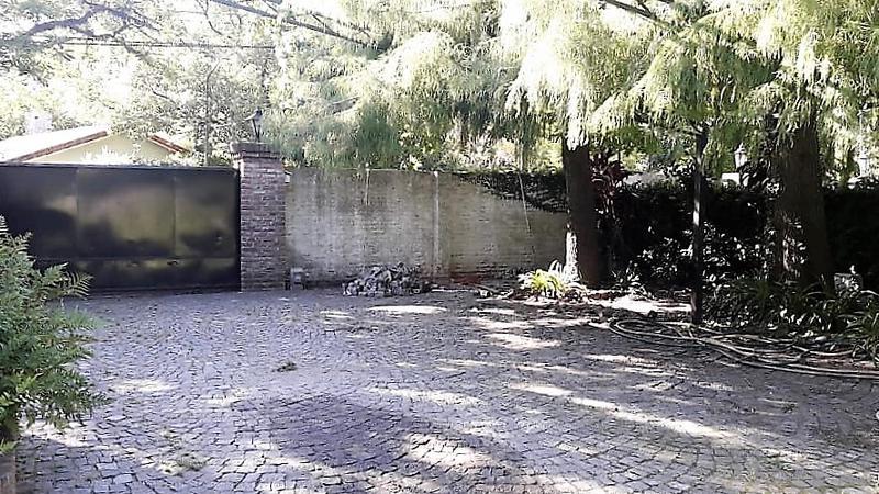 Foto Casa en Venta en  Las Lomas-Horqueta,  Las Lomas de San Isidro  GARDEL, Carlos 300