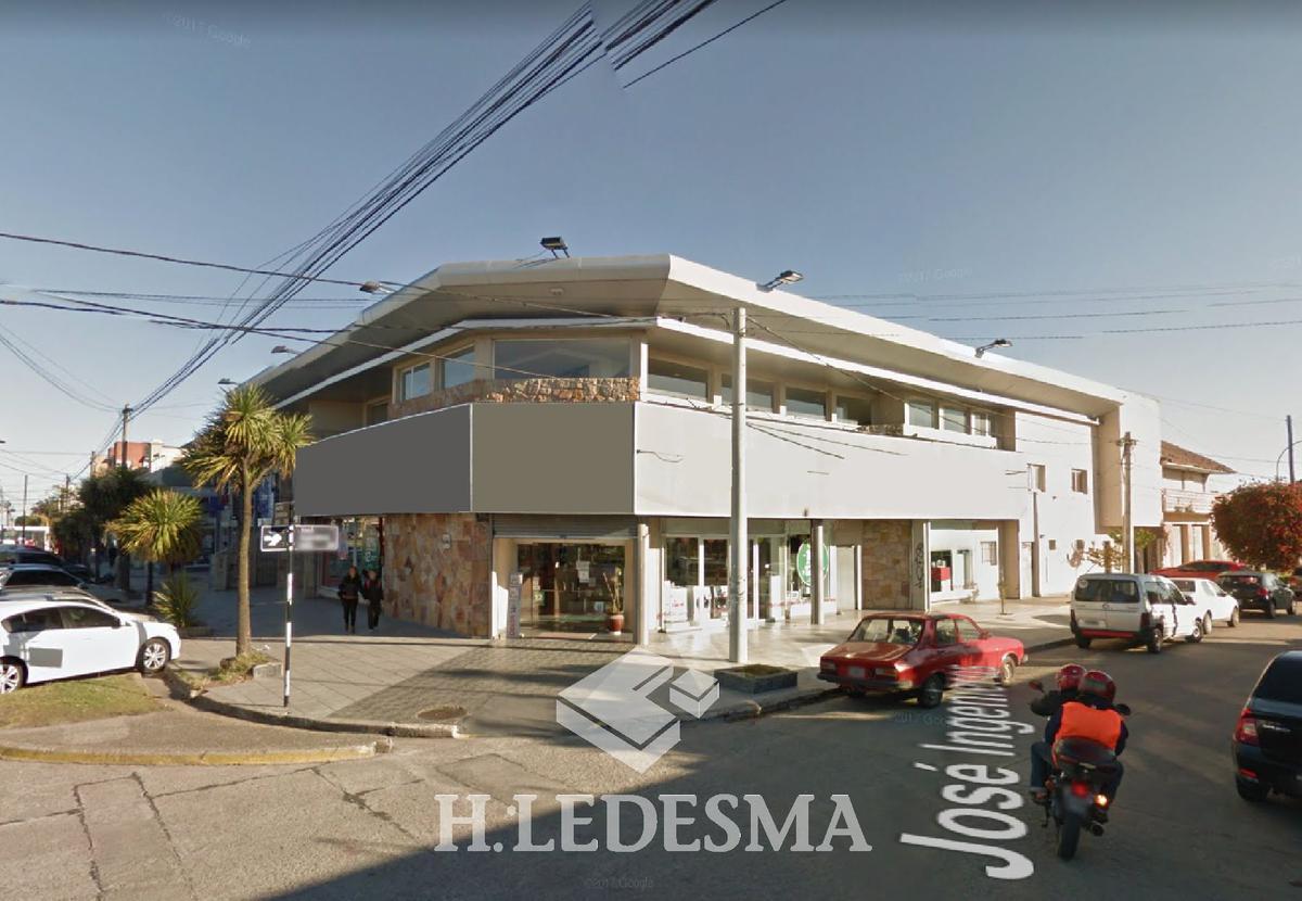 Foto Local en Alquiler en  Constitucion,  Mar Del Plata  AV CONSTITUCION 5000