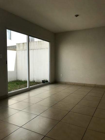 Foto Casa en condominio en Venta en  Toluca ,  Edo. de México  PASEO ARBOLEDAS ALONDRA