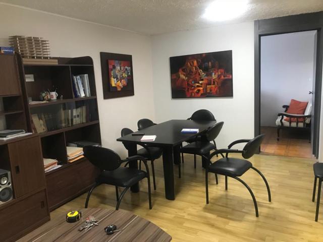 Foto Oficina en Venta en  Cuenca ,  Azuay  Oportunidad oficina en venta 70m2C frente al Estadio $59.800dlrs.