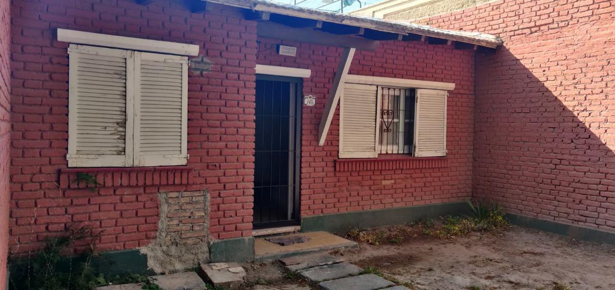 Foto Casa en Alquiler en  Capital ,  Mendoza  Benielli al 2300