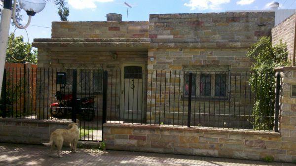 Foto Casa en Alquiler en  Ezeiza ,  G.B.A. Zona Sur  FRENCH AL 1151