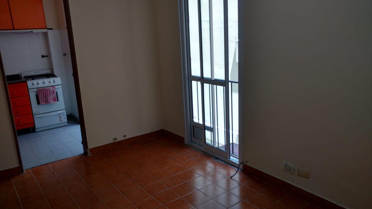 Foto Departamento en Alquiler en  Caballito ,  Capital Federal  Av. Rivadavia