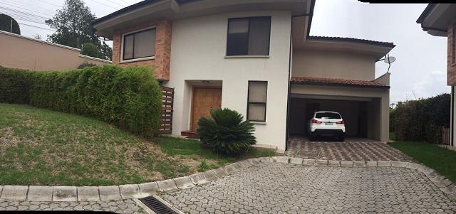 Foto Casa en Venta en  Cumbayá,  Quito  Cumbaya, Colegio Menor