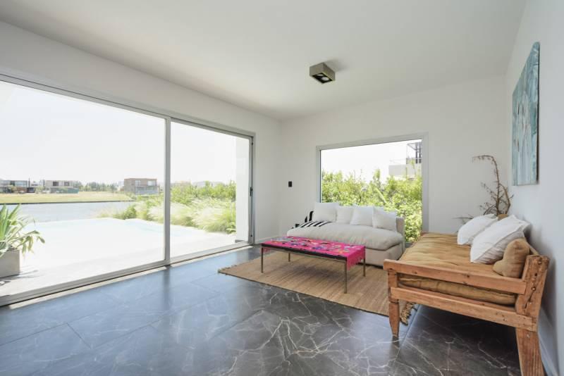 Foto Casa en Alquiler en  Los Castaños,  Nordelta  Castaños 840