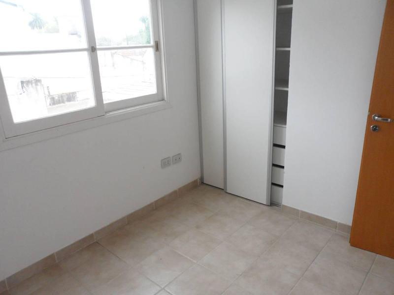 Foto Casa en Venta en  Turdera,  Lomas De Zamora  Zapiola 25