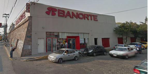 Foto Local en Renta en  San Bartolo Tenayuca,  Tlalnepantla de Baz  Calle Xochitl