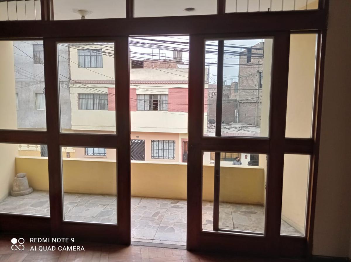 Foto Casa en Venta en  San Martín de Porres,  Lima  A 3 cuadras  de la Av Peru