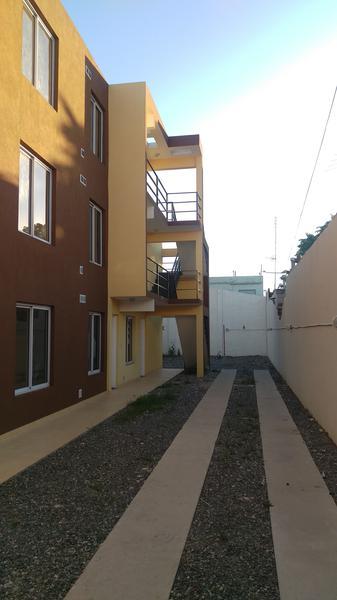Foto Departamento en Venta en  Moron Sur,  Moron          Curupayti 1300 PB
