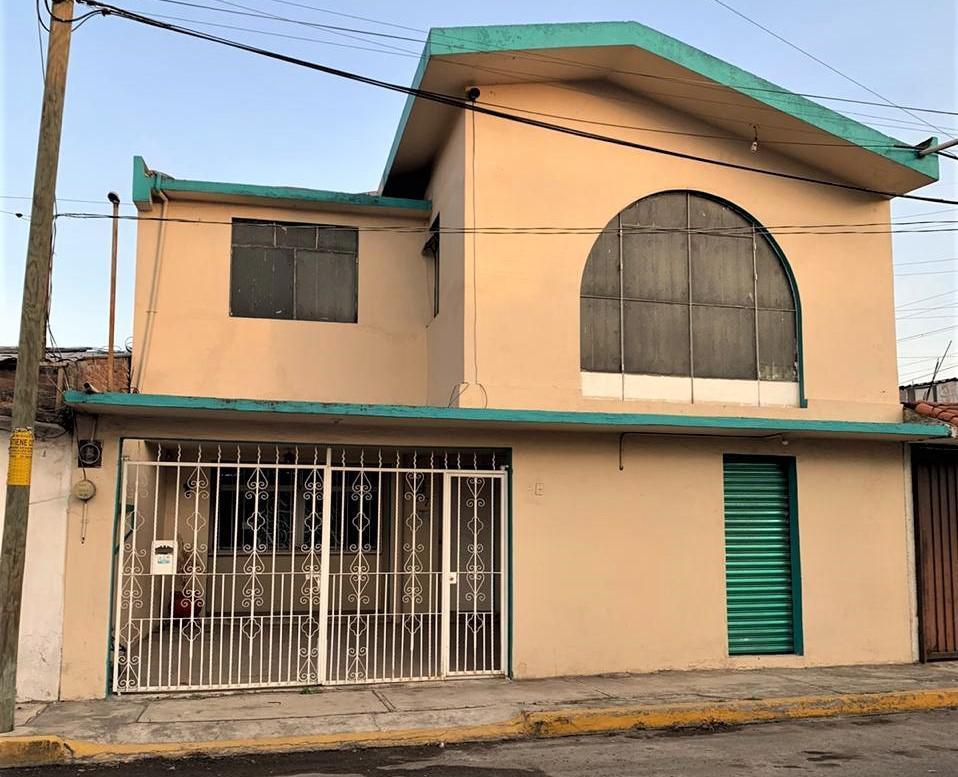 Foto Casa en Venta en  Casa Blanca,  Metepec  VENTA DE CASA SOBRE CALLE  DE 5 HABITACIONES EN METEPEC