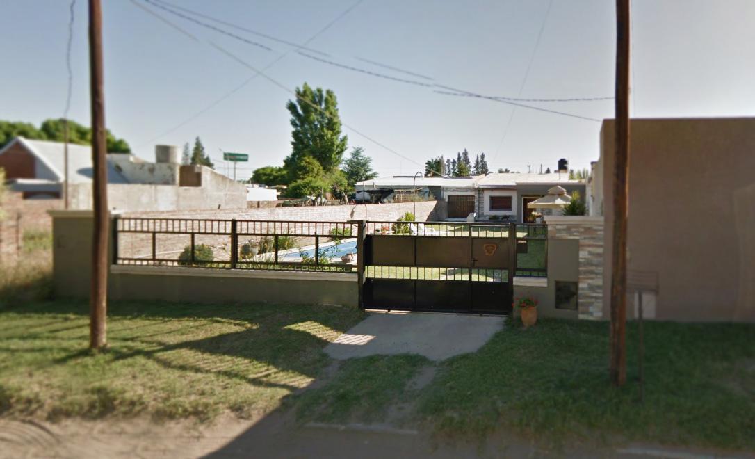 Foto Casa en Venta en  Santa Rosa,  Capital  Alelíes Nº 57