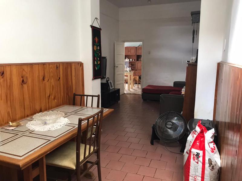 Foto Casa en Venta en  Lomas de Zamora Oeste,  Lomas De Zamora  Colombres 875