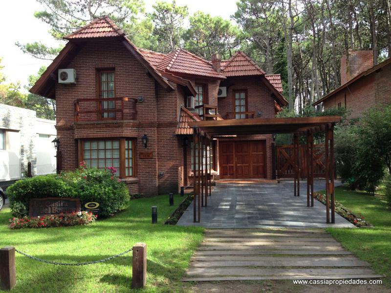 Foto Casa en Venta |  en  Pinamar ,  Costa Atlantica  DEL TALA 1276
