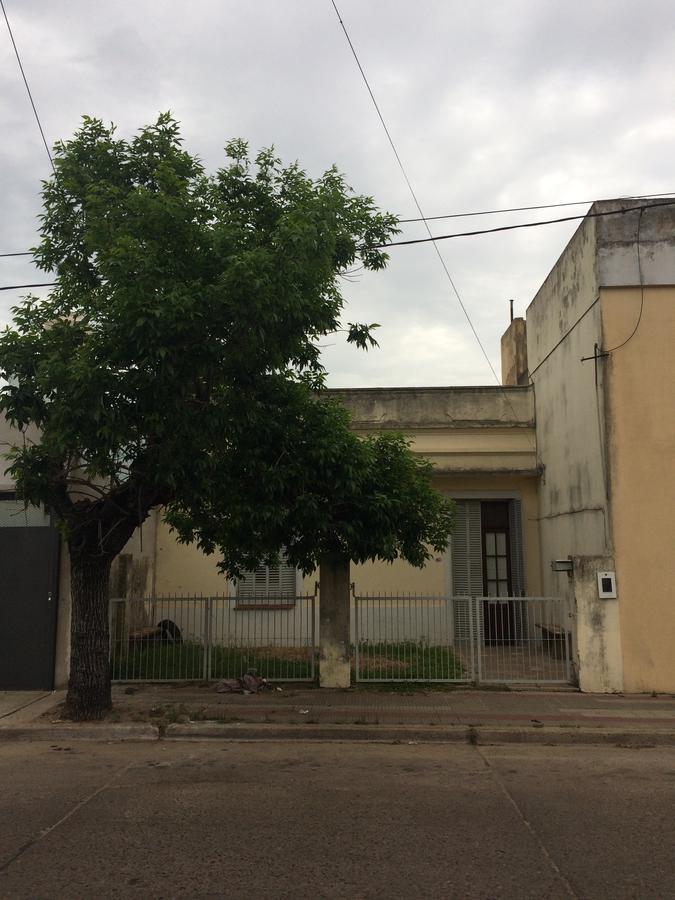 Foto Casa en Venta |  en  Concordia,  Concordia  La Rioja al 900