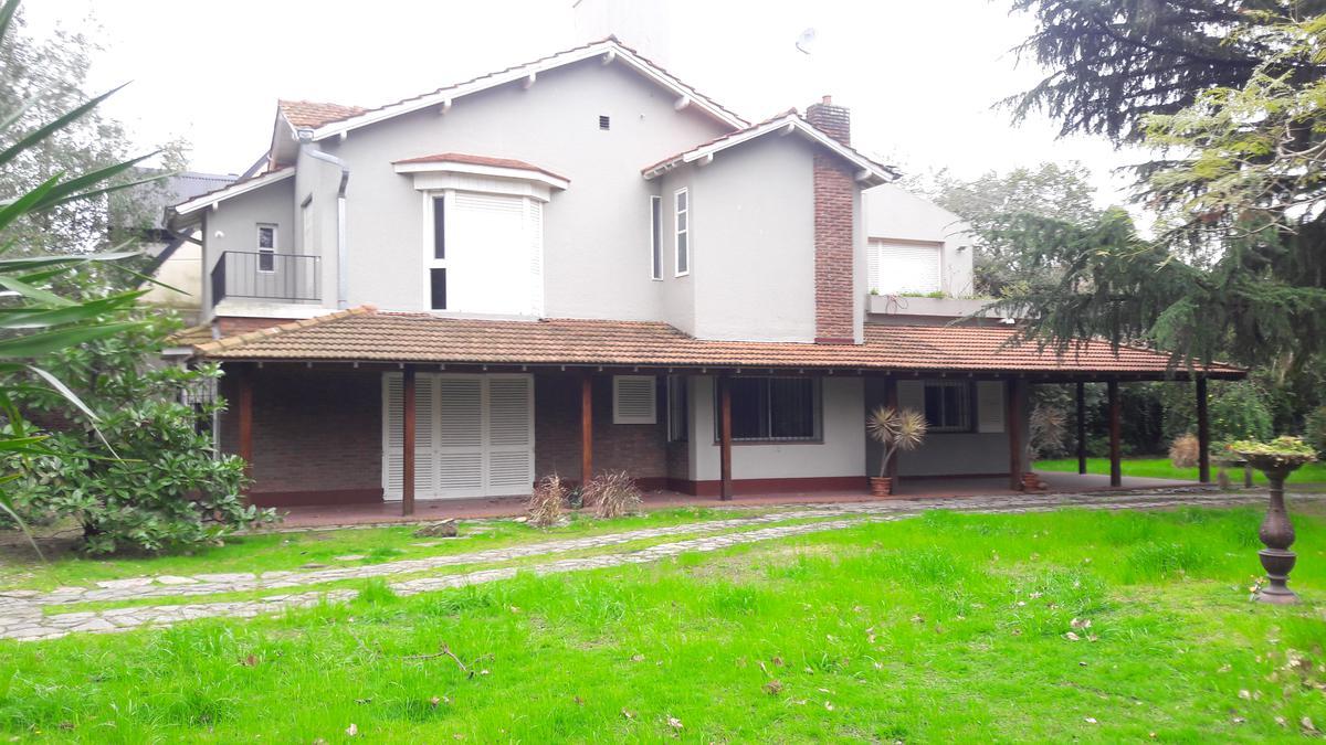 Foto Casa en Alquiler en  Olivos-Vias/Maipu,  Olivos  Entre Rios al 800