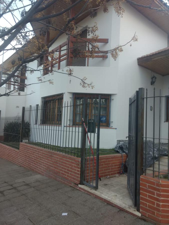 Foto Casa en Venta | Alquiler en  Área Centro Oeste,  Capital  Jujuy y Antartida Argentina