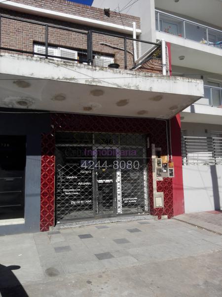 Foto Local en Venta en  Lomas de Zamora Oeste,  Lomas De Zamora  Colombres 746