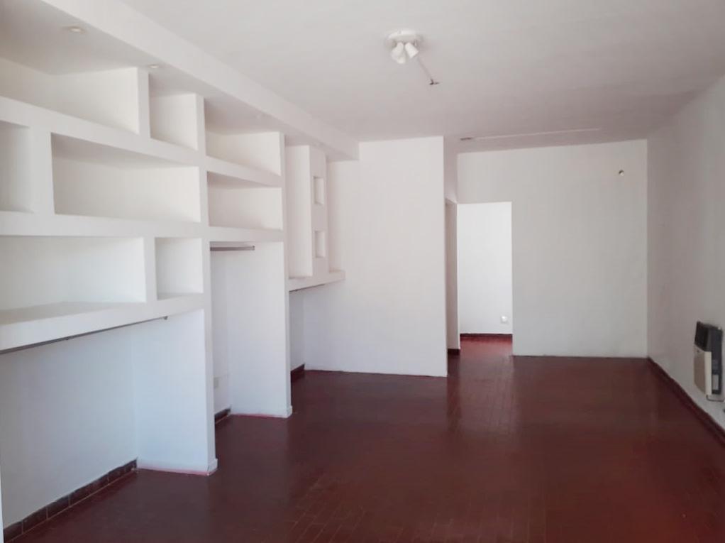Foto Local en Alquiler en  General Pico,  Maraco  Calle 9  e/ 104 y 106