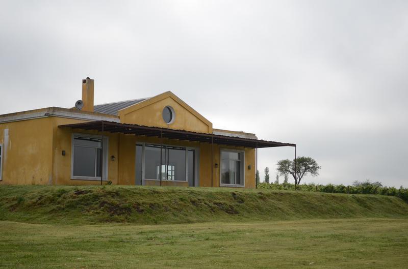 Foto Casa en Alquiler en  Carmelo ,  Colonia  Hermosa Casa en La Concordia Carmelo
