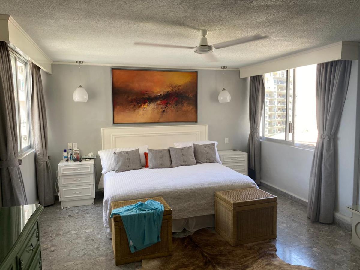Foto Departamento en Venta en  Icacos,  Acapulco de Juárez  Condominio sobre playa 3 rec.