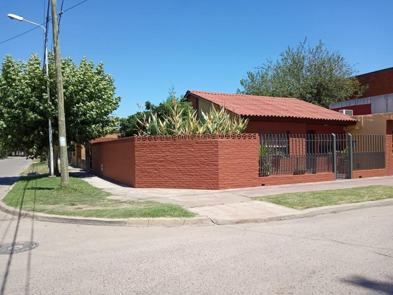 Foto Casa en Venta en  Jose Clemente Paz,  Jose Clemente Paz  artigas al 200