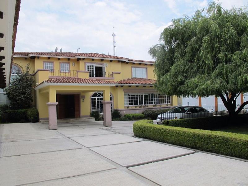 Foto Casa en Renta en  Los Robles,  Lerma   FRACCIONAMIENTO  LOS ROBLES
