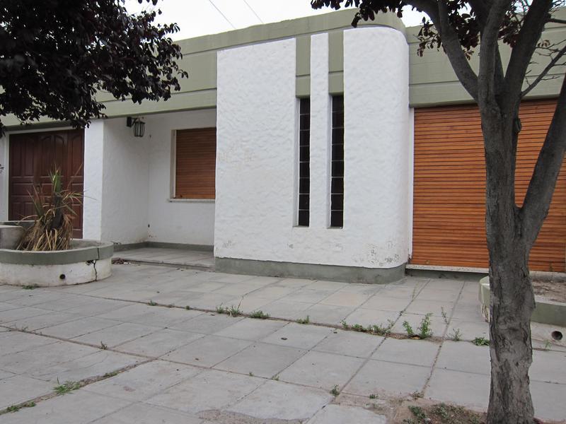 Foto Casa en Venta en  Trelew ,  Chubut  A P Bell al 1300