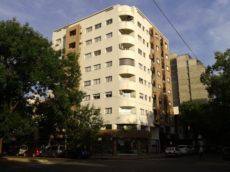 Foto Departamento en Alquiler en  La Plata ,  G.B.A. Zona Sur  10 entre 60 y 61