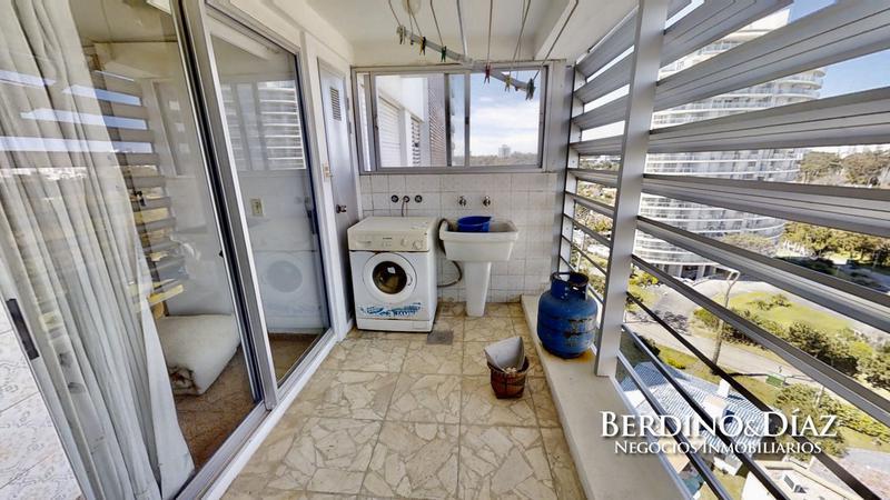 Foto Departamento en Venta en  Playa Mansa,  Punta del Este          Espectacular Apartamento  Frente al Mar con la Mejor Ubicación de Punta del Este