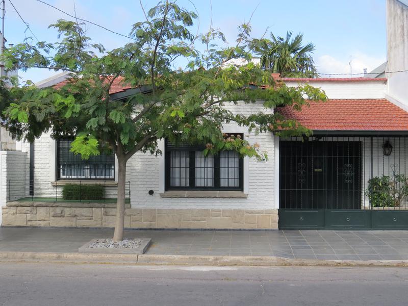 Foto Casa en Venta en  Pompeya,  Mar Del Plata  Balcarce entre Chaco y La Pampa