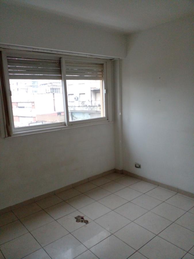 Foto Departamento en Alquiler | Venta en  Lomas de Zamora Oeste,  Lomas De Zamora  LORIA 81 3º 20