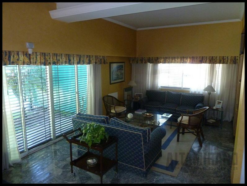 Picture House in Sale in  Paseo de la Bahia - Studios I,  Bahia Grande  Bv del Mirador al 200